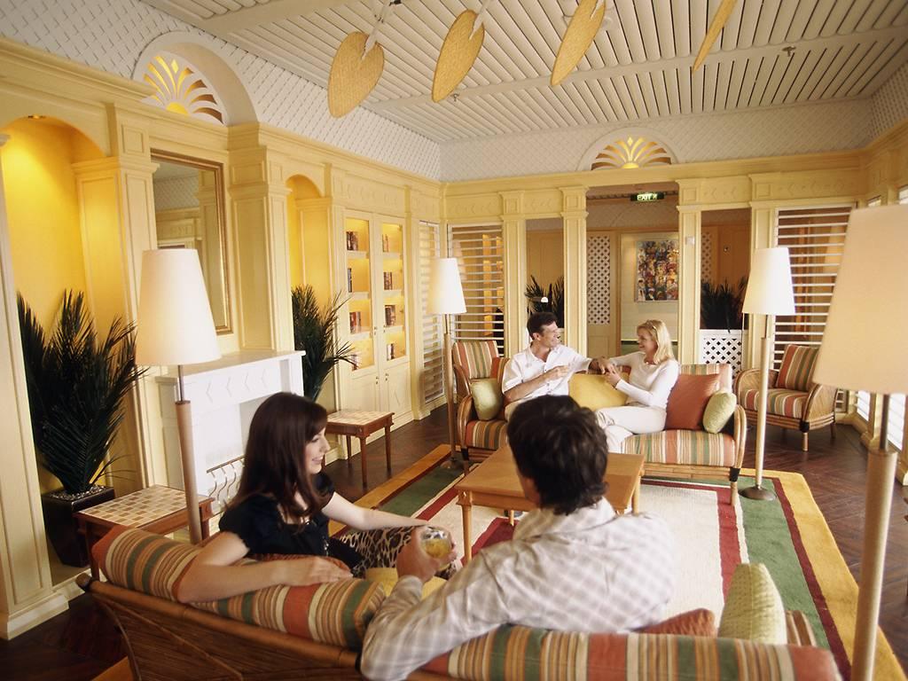 Hemingway Lounge