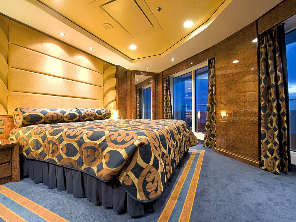 Yacht Club Royal Suite
