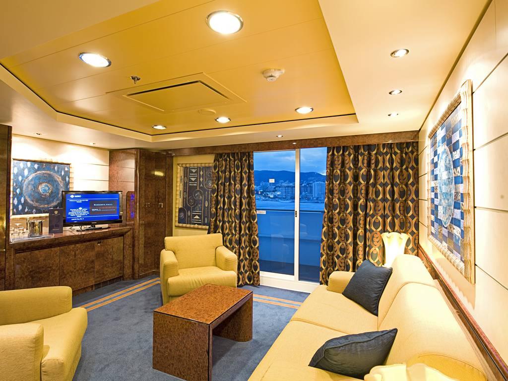 Yacht Club Royal Suite1