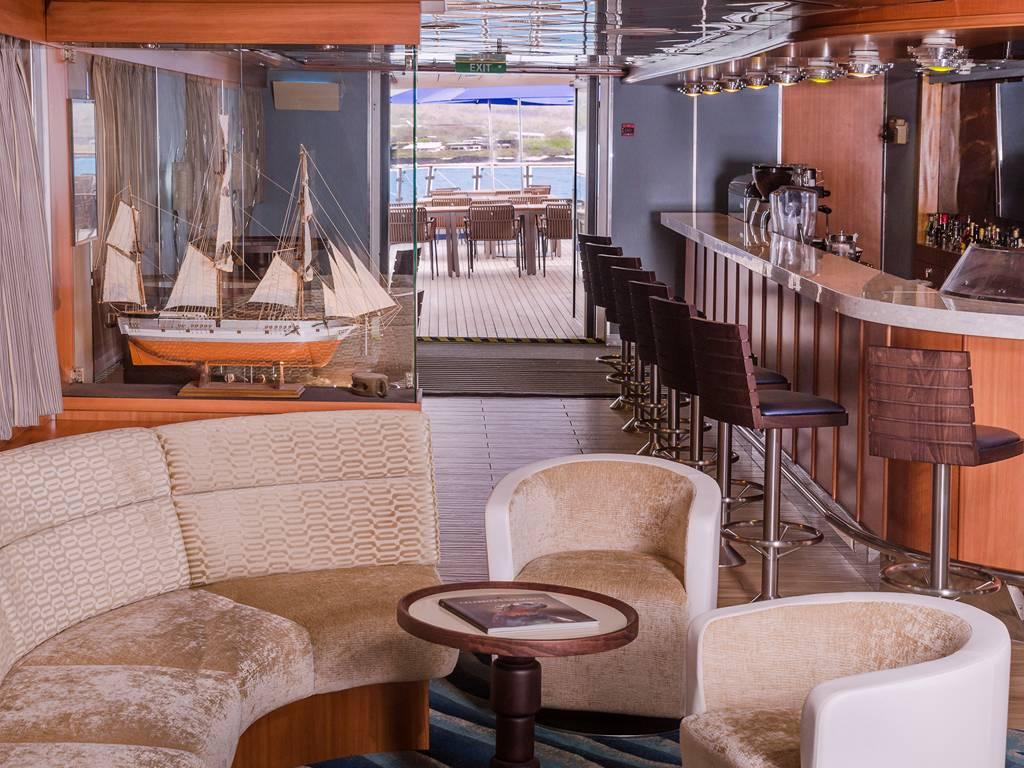 Discovery Lounge Bar