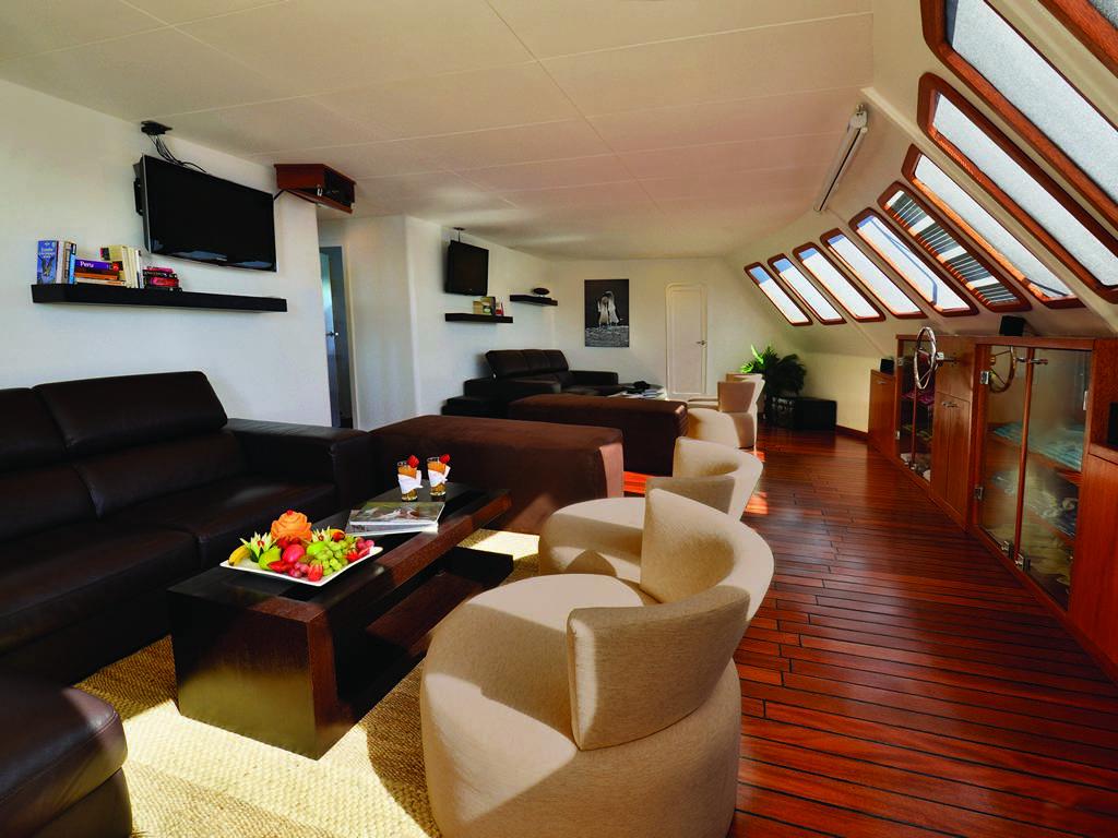 Lounge 1 1