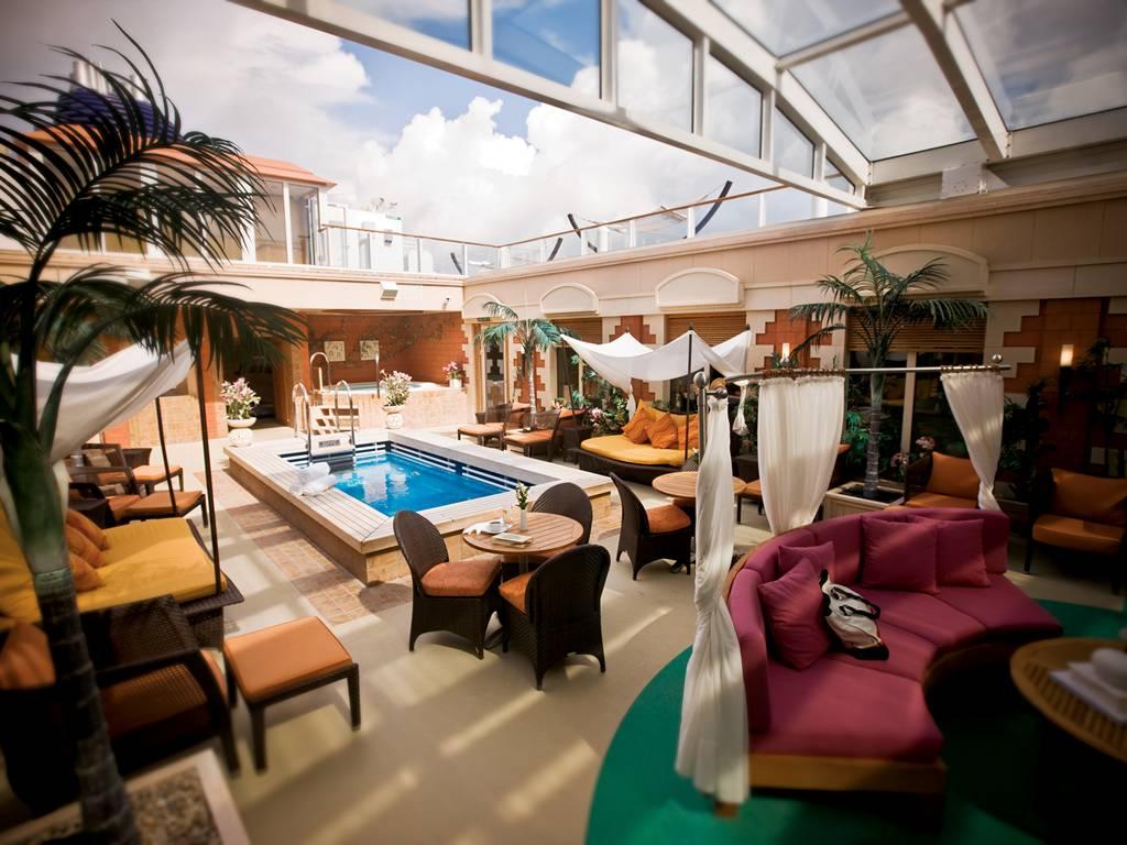 Courtyard Villa Pool 1
