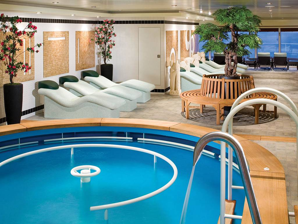 Yin Yang Spa Therapy Pool